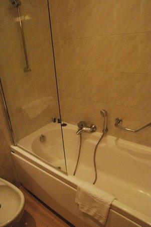 FH Grand Hotel Palatino: vasca da bagno