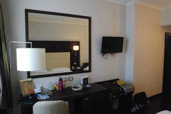 FH Grand Hotel Palatino: scrivania