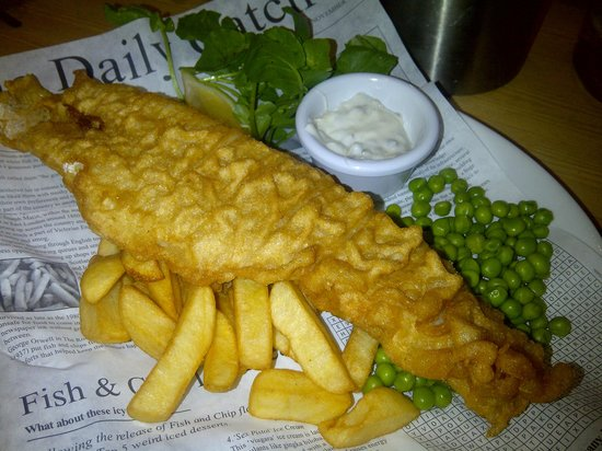 Clavell's Restaurant: Fish & Chips - £10.85
