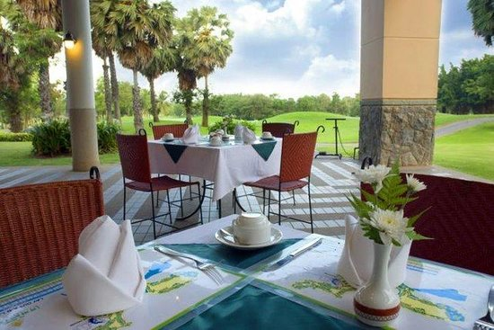 Imperial Lake View Hotel & Golf Club : Cafe