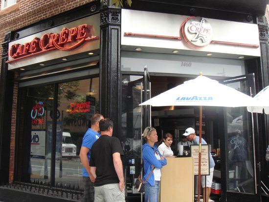 Cafe Crepe: Front of Building