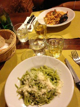 Osteria c'era una volta : Pesto and sea food...a must !!!