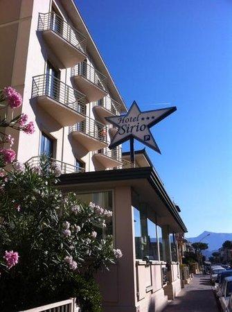 hotel sirio di giorno