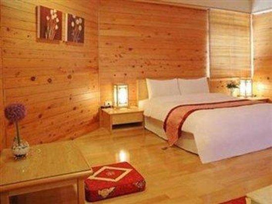 Eastern Beauty Hotel: STD