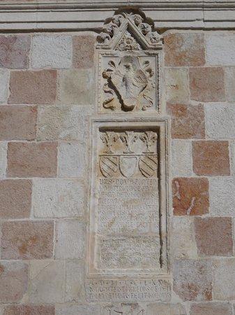 Fontana delle 99 cannelle: lapide storica