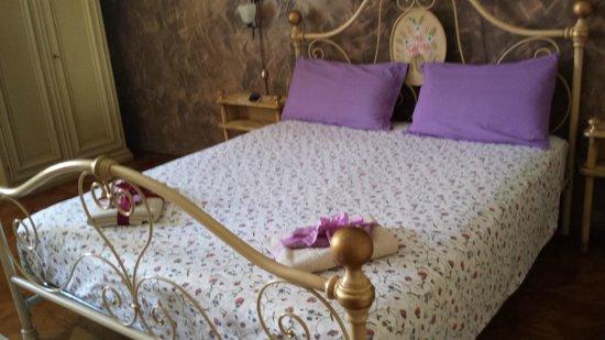 Bed and Breakfast al Cucherle: la camera eleonora