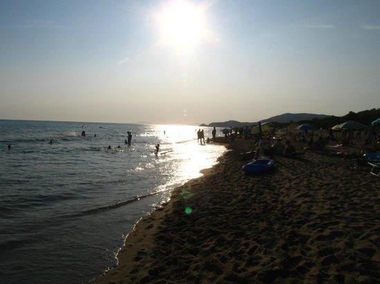 Camping Maremma Sans Souci: la spiaggia direzione Punta Ala