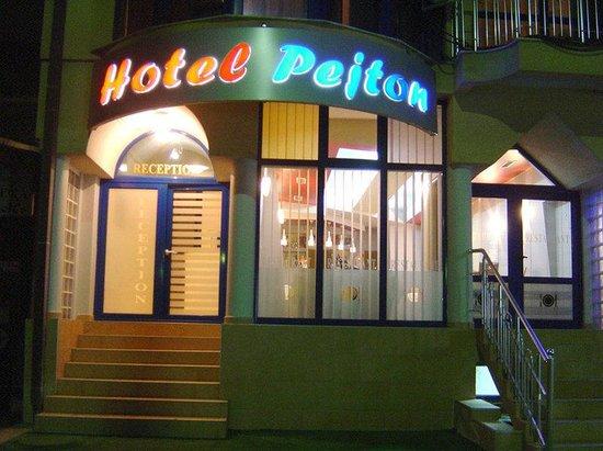 Hotel Pejton : Exterior View
