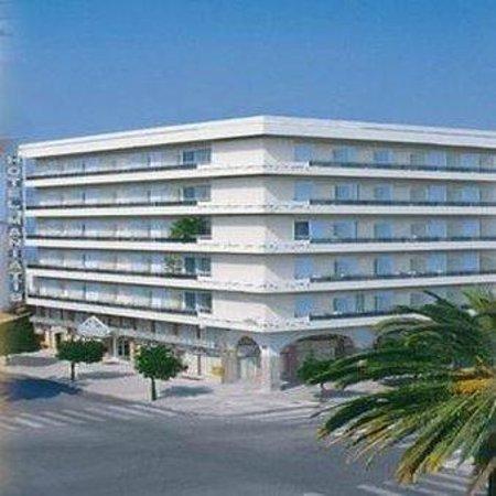 Hotel Maniatis : Exterior View