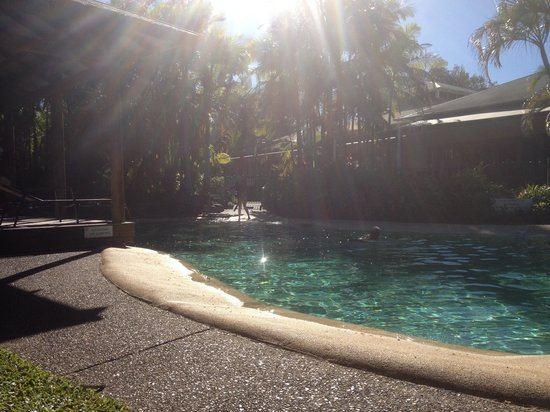 South Pacific Resort Noosa : Pool side