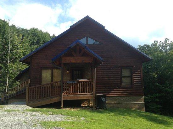Elk Springs Resort: Front of cabin