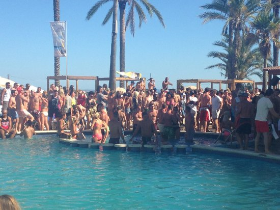 Ibiza Jet Apartments Party Time