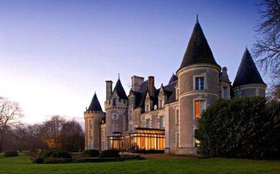Château Golf des Sept Tours: Exterior