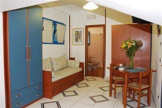 Aparthotel Baia di naxos: Exterior