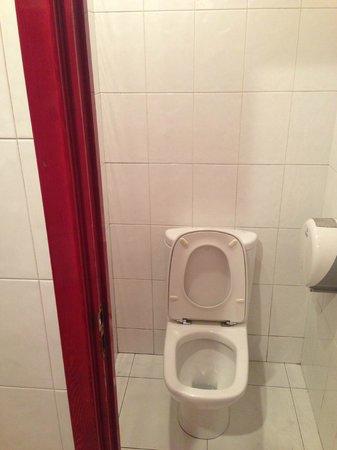 Va Bene: Toilets