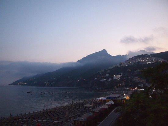 Hotel Bristol : Вид на пляж Marina на закате
