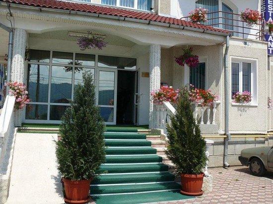 Belvedere Hotel Piatra Neamt: Exterior View