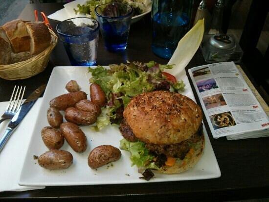 Burger Berthe Picture Of Restaurant Bar Le Jardin De Berthe Opera