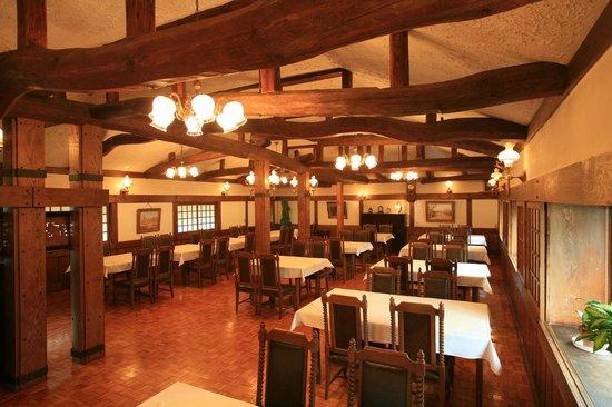 Hanaya: 朝の食堂