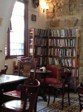Tmol Shilshom Cafe: T'mol shilshom