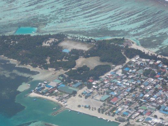 Kuredu Island Resort & Spa: vVew from the sea plane