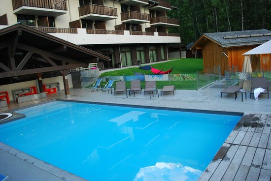 Le Refuge des Aiglons: pool