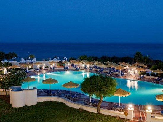 Mitsis Norida Beach Hotel: Pool By Night