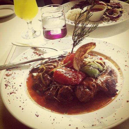 Denis Restaurant: Hunkar Begendi (main)