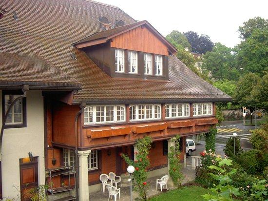 Hotel Sternen Muri: Fachada del hotel/ Hotel facade.