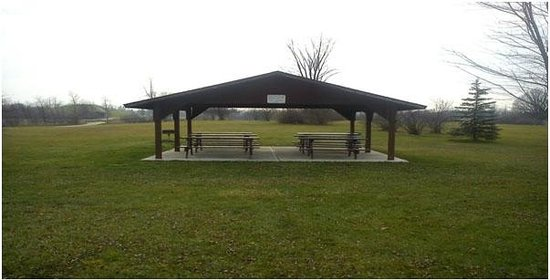 Grand Blanc, MI: Small pavilion near the pond