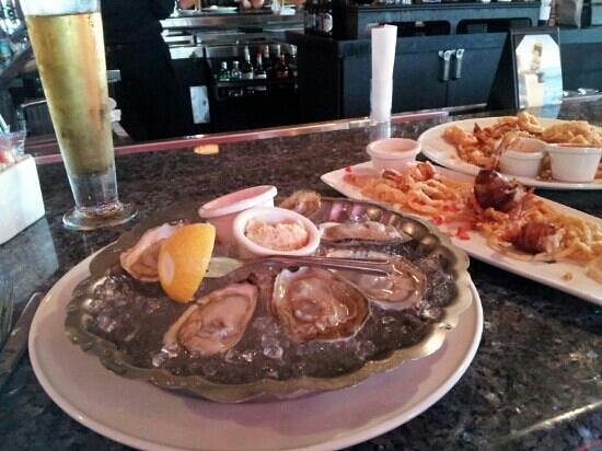 Landry's Seafood House : Perfect start to a evening!