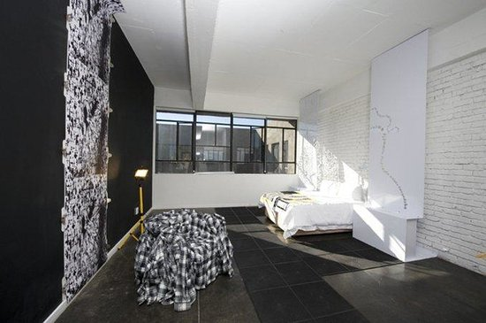 12 Decades Art Hotel: CKJNBDEC