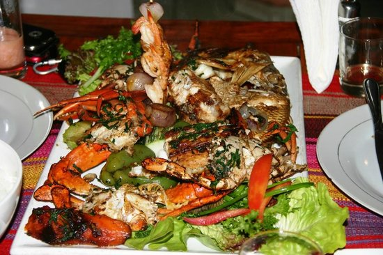 La Maree chez Nari : Mix of grilled sea food.