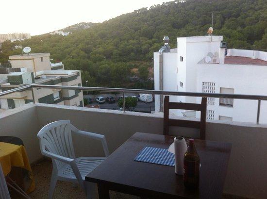 Apartamentos El Moro: Uno dei due balconi del nostro appartamento