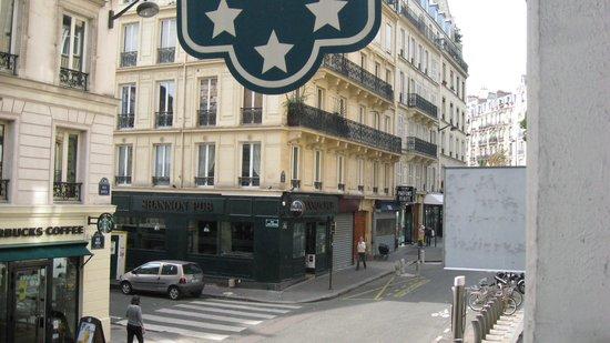 Hôtel Jardin Le Bréa : Vu de la chambre