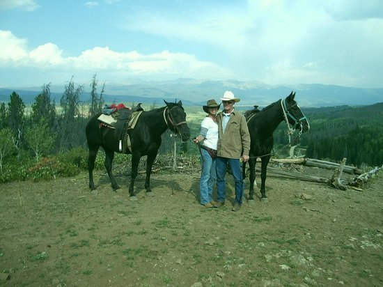 Sombrero Stables at Snow Mountain Ranch: Beautiful ride with Beautiful Views