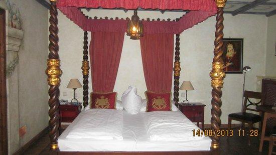 Hôtel Castillo Alcazar : une des chambres de la suite