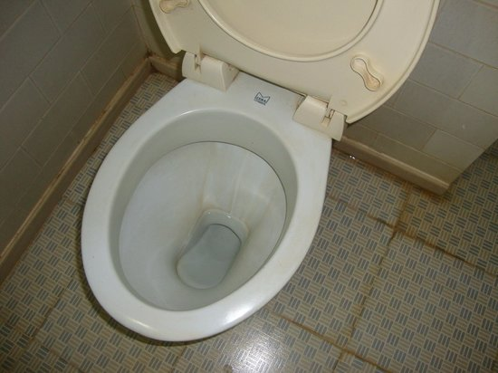 The Vyshakh: This is what you get for 3000 rupees,even no health faucet!!!!!!!