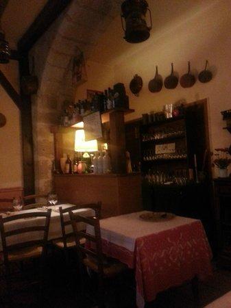 Le Plat à Oreilles: derrière le bar...la cuisine !