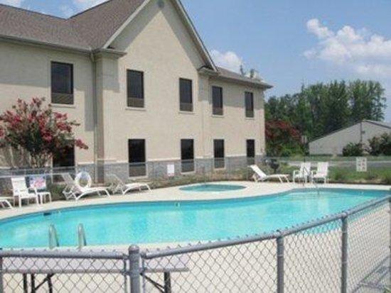 Grand Vista Hotel & Suites: Pool