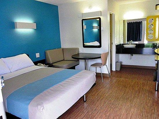 Motel 6 Overland: MSingle2