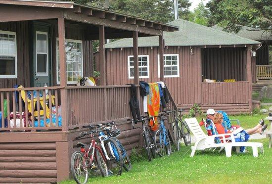 White Point Beach Resort : some cabins