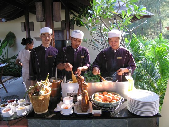 Layana Resort and Spa: Frühstück - Egg Station