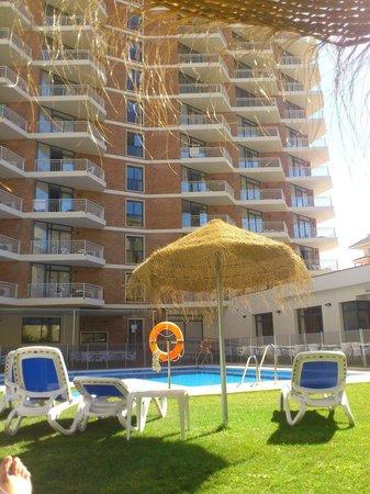 Mas Playa: Piscina, hotel y comedor