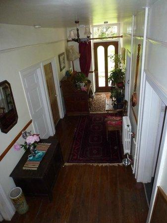 Thatch Close Farm B&B: Hallway