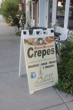 Crepe Creation Cafe: Crepes!