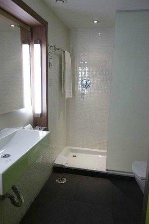 Campanile Malaga : バスルーム