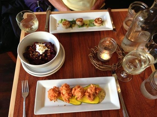 The Rookery Cafe: Scallops, beet salad and salmon fritters