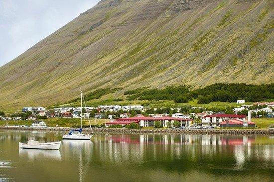 Edda Hotel Isafjordur: Exterior and surrounding area