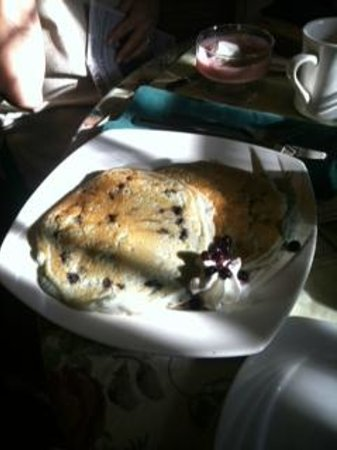 Cleftstone Manor: Blueberry pancakes